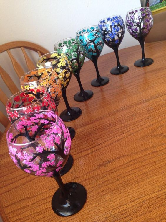 Vitally wonderful wine glass designs to make you smile for Type of paint to use on wine glasses