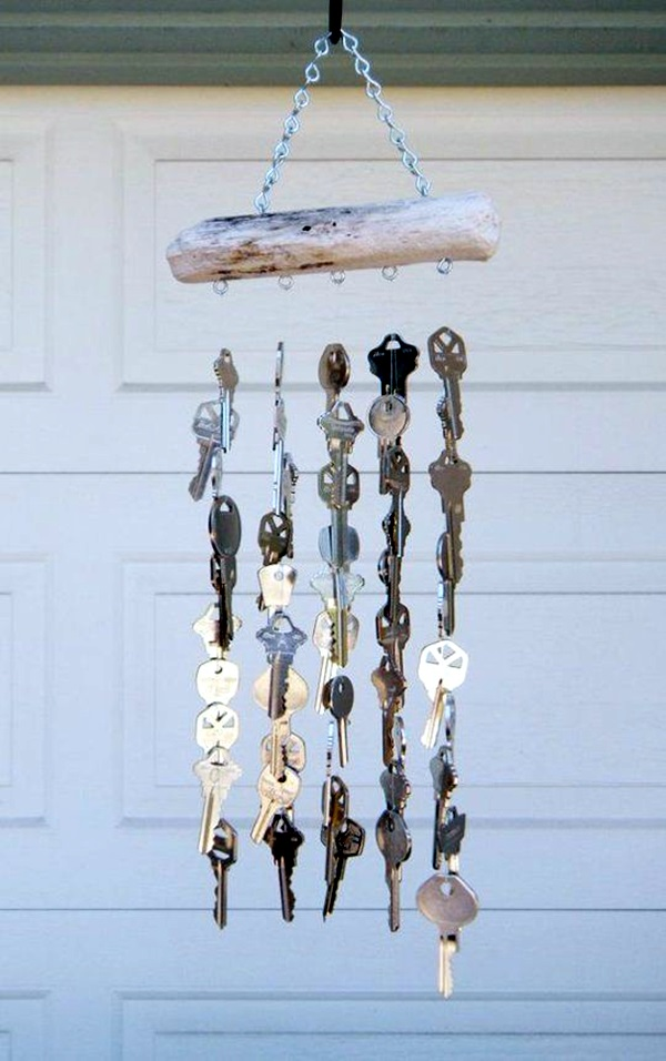 40 diy wind chime ideas to try this summer bored art for Easy wind chimes