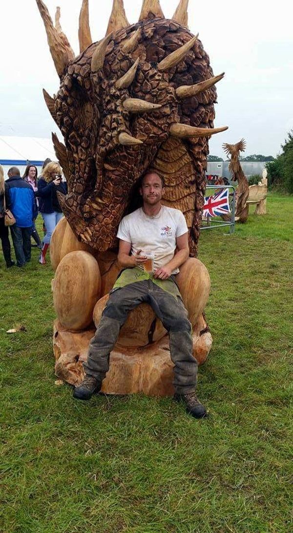 Exceptional Examples of Tree Carving Art (23)