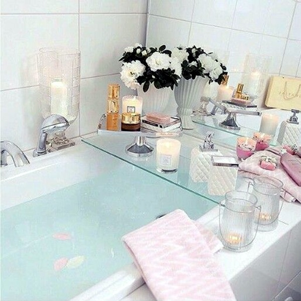 Ways To Use Candles In Bathroom For Special Nights (4)