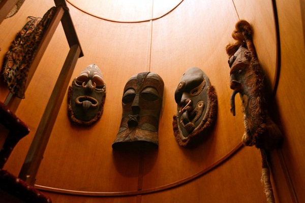 African Masks Wall Decoration Ideas (1)