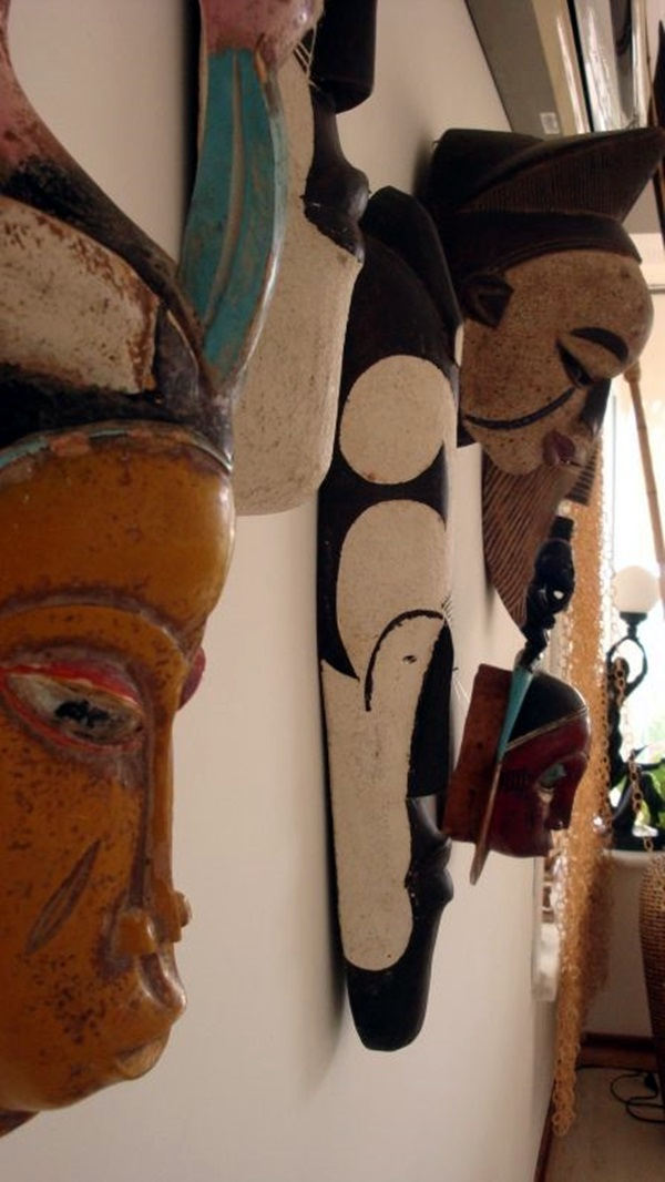 African Masks Wall Decoration Ideas (23)