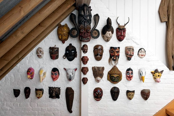 African Masks Wall Decoration Ideas (37)