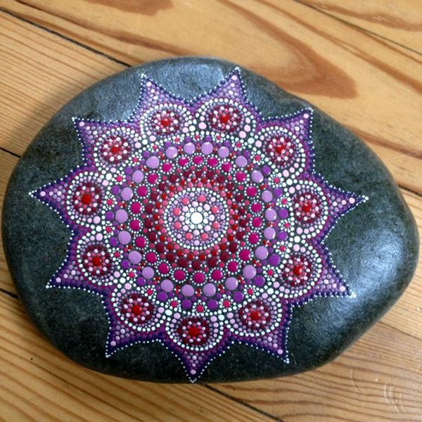 DIY Mandala Stone Patterns To Copy (14)