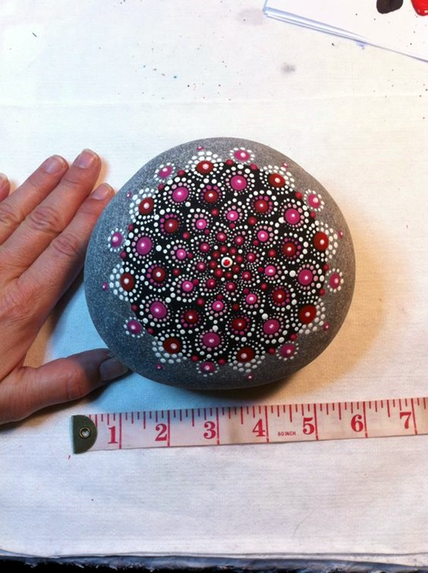 DIY Mandala Stone Patterns To Copy (23)