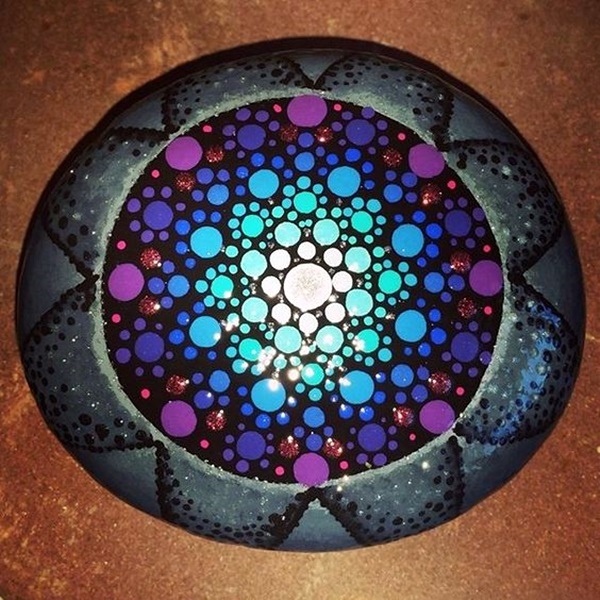 DIY Mandala Stone Patterns To Copy (26)