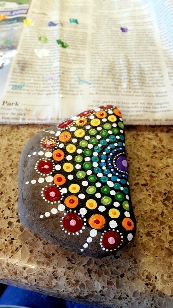 DIY Mandala Stone Patterns To Copy (27)