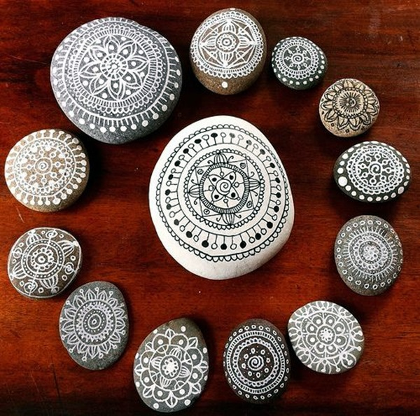DIY Mandala Stone Patterns To Copy (38)