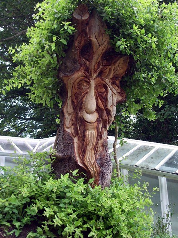 Exceptional Examples of Tree Carving Art (5)