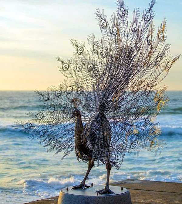 Extraordinary Line And Wire Sculptures (16)