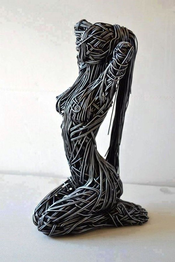 Extraordinary Line And Wire Sculptures (2)