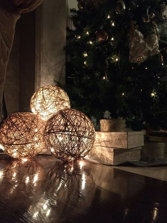 40 stylish garden chandelier ideas bored art for Classy xmas decorations
