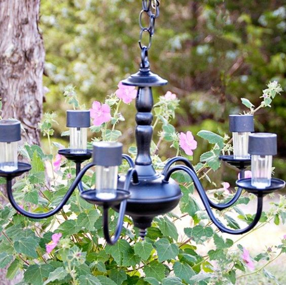 Etonnant Stylish Garden Chandelier Ideas (10)