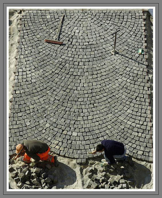 cobblestone patio designs 15