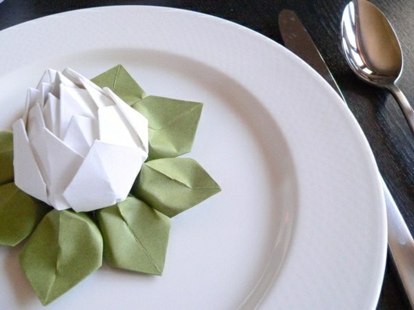 most-creative-table-napkin-folding-ideas-to-practice0041