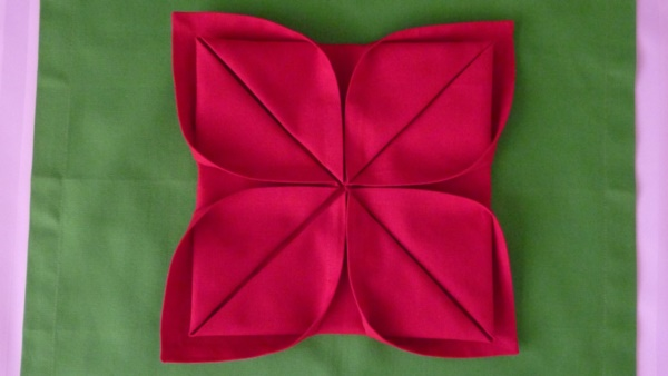 most-creative-table-napkin-folding-ideas-to-practice0161