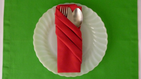 most-creative-table-napkin-folding-ideas-to-practice0171