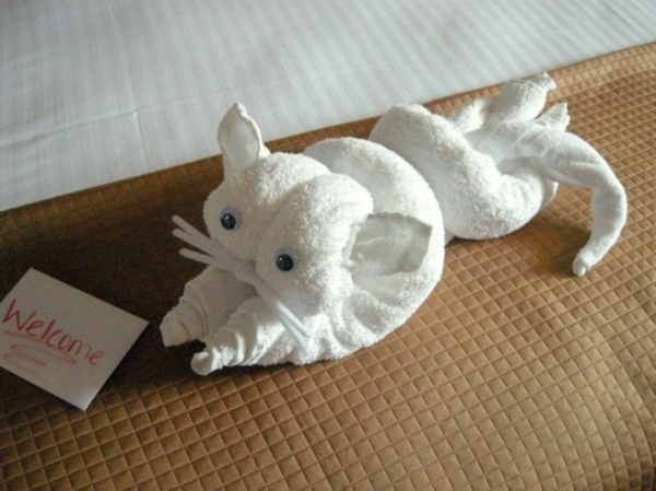 most-creative-towel-folding-ideas0001