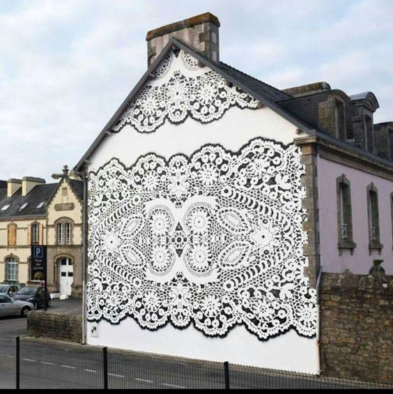 lace street art 26