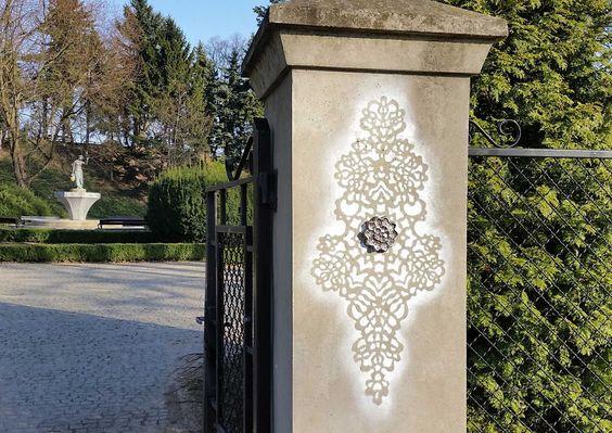 lace street art 29