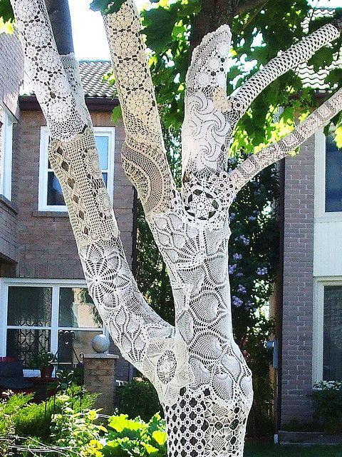 lace street art 9