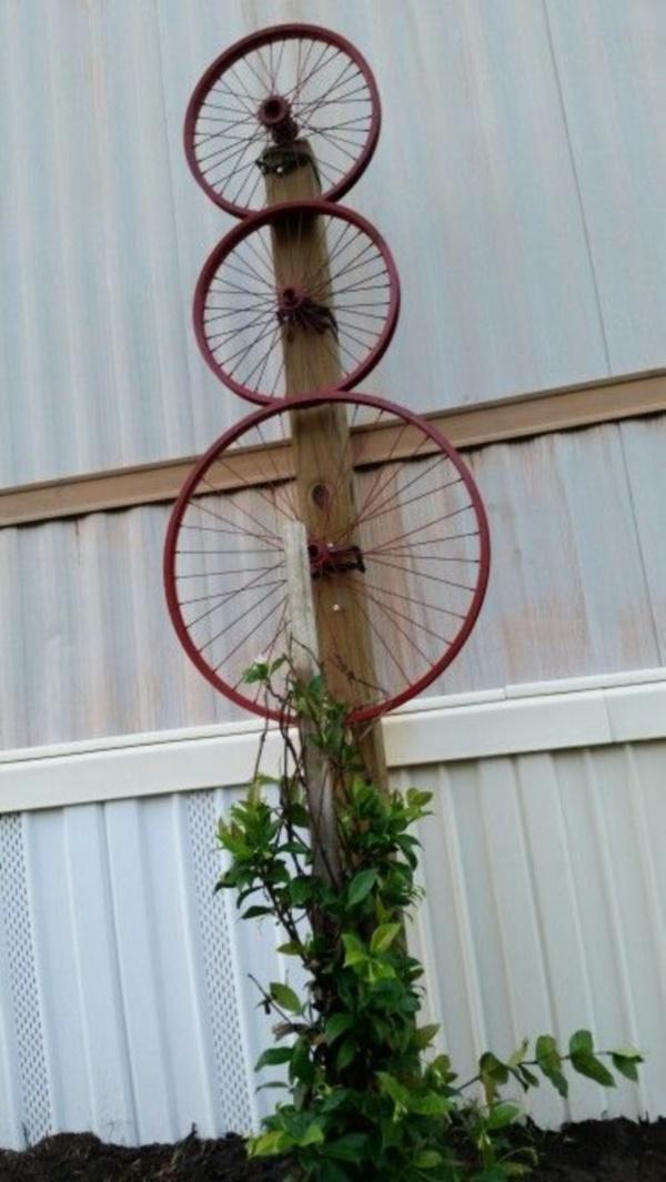 leonardo-da-vinci-ways-to-use-old-bicycle-rims0041
