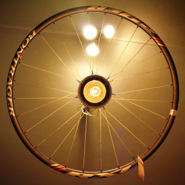 leonardo-da-vinci-ways-to-use-old-bicycle-rims0111