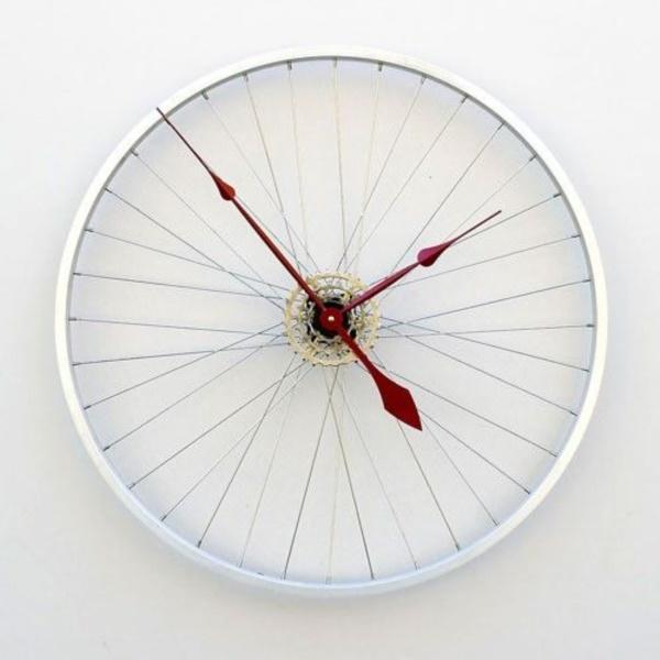 leonardo-da-vinci-ways-to-use-old-bicycle-rims0171