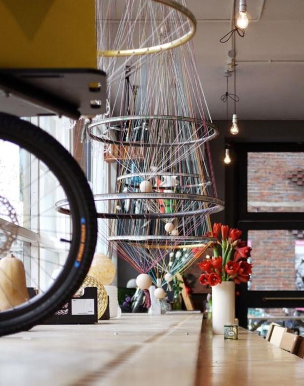 leonardo-da-vinci-ways-to-use-old-bicycle-rims0371