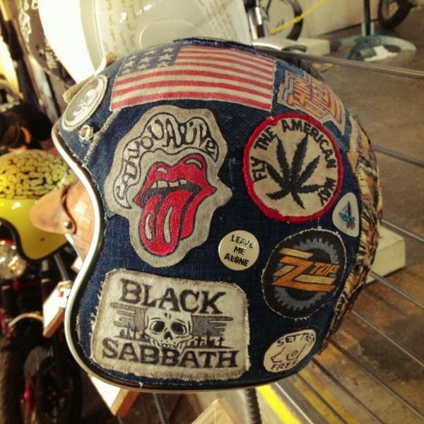 coolest-motorcycle-helmet-art-design0031