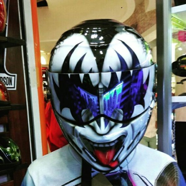 coolest-motorcycle-helmet-art-design0281