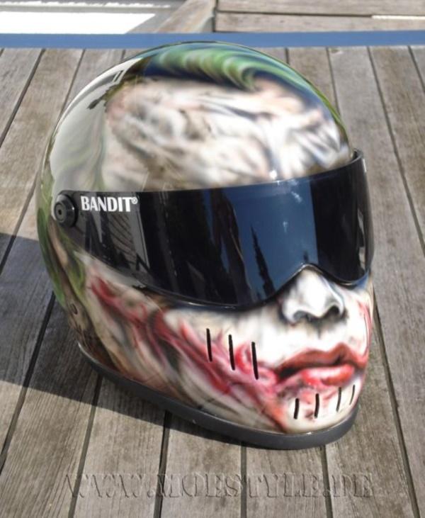 coolest-motorcycle-helmet-art-design0311
