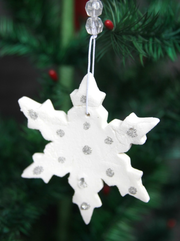 diy-paper-snowflakes-decoration-ideas0111