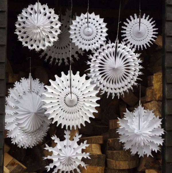 diy-paper-snowflakes-decoration-ideas0151