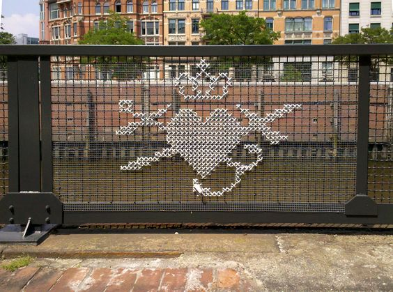 cross-stitch-street-art-18