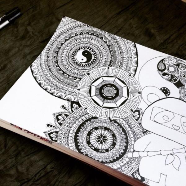 black-and-white-mandala-art-drawings0011