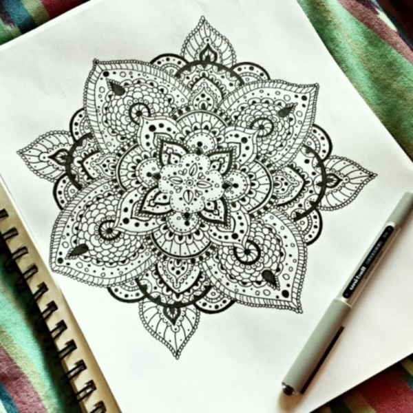 black-and-white-mandala-art-drawings0251