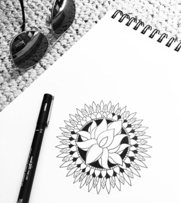 black-and-white-mandala-art-drawings0261