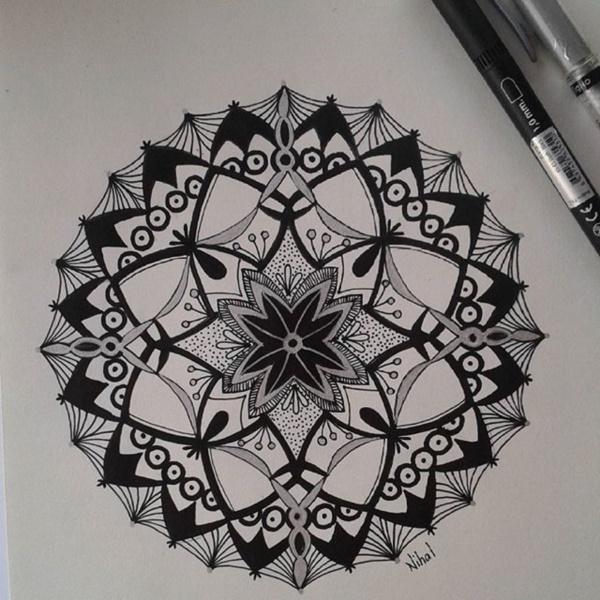 black-and-white-mandala-art-drawings0381