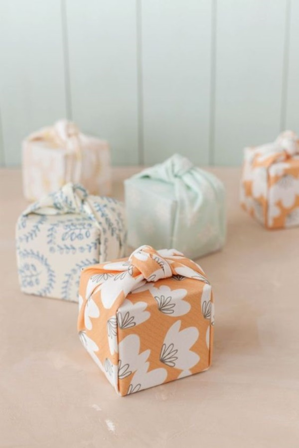 best-gift-wrapping-ideas-you-can-practically-try0351