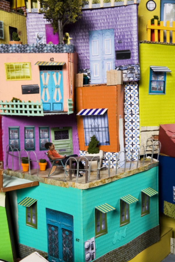 incredible-examples-of-cardboard-city-art0011