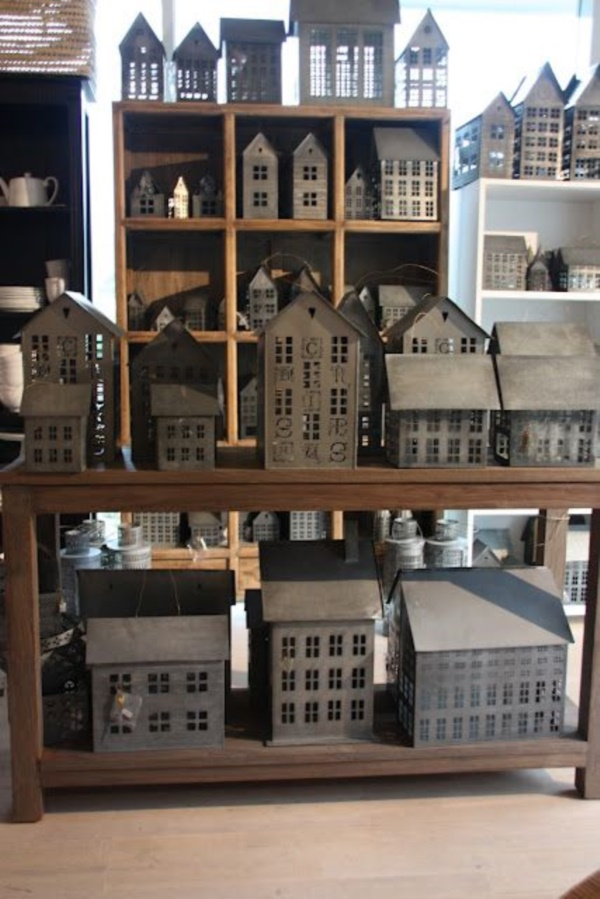 incredible-examples-of-cardboard-city-art0021