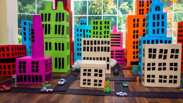 incredible-examples-of-cardboard-city-art0191