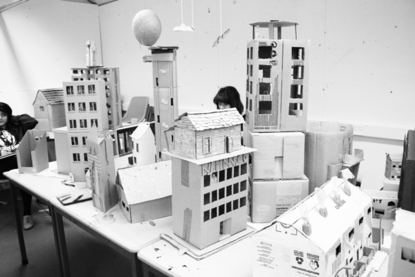 incredible-examples-of-cardboard-city-art0201
