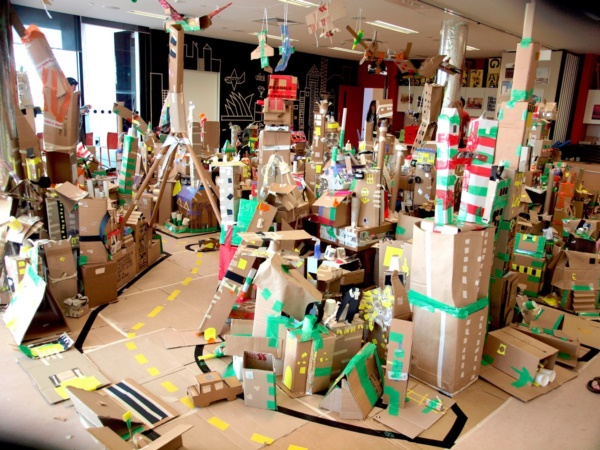 incredible-examples-of-cardboard-city-art0241