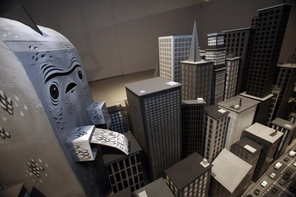 incredible-examples-of-cardboard-city-art0261