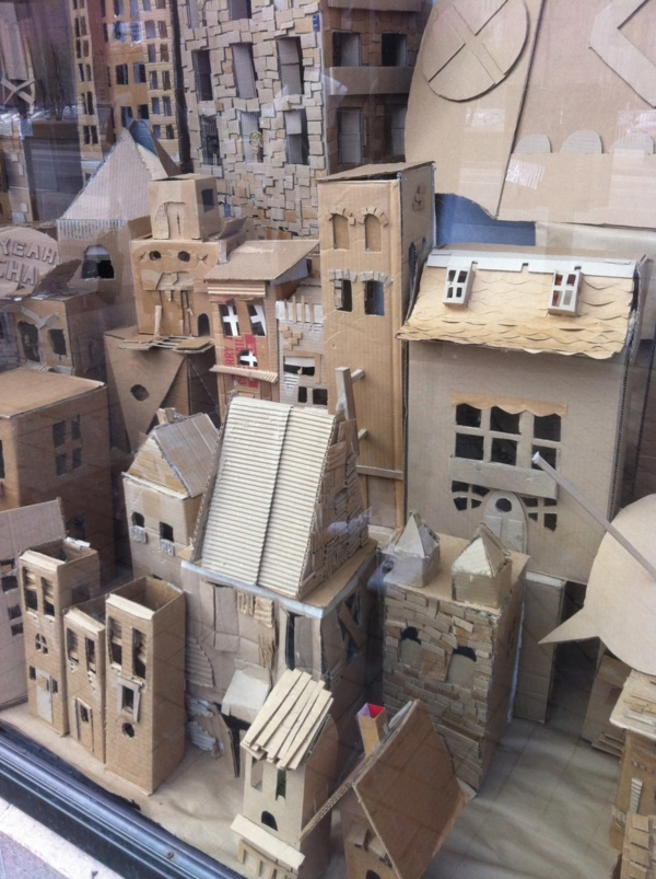 incredible-examples-of-cardboard-city-art0381