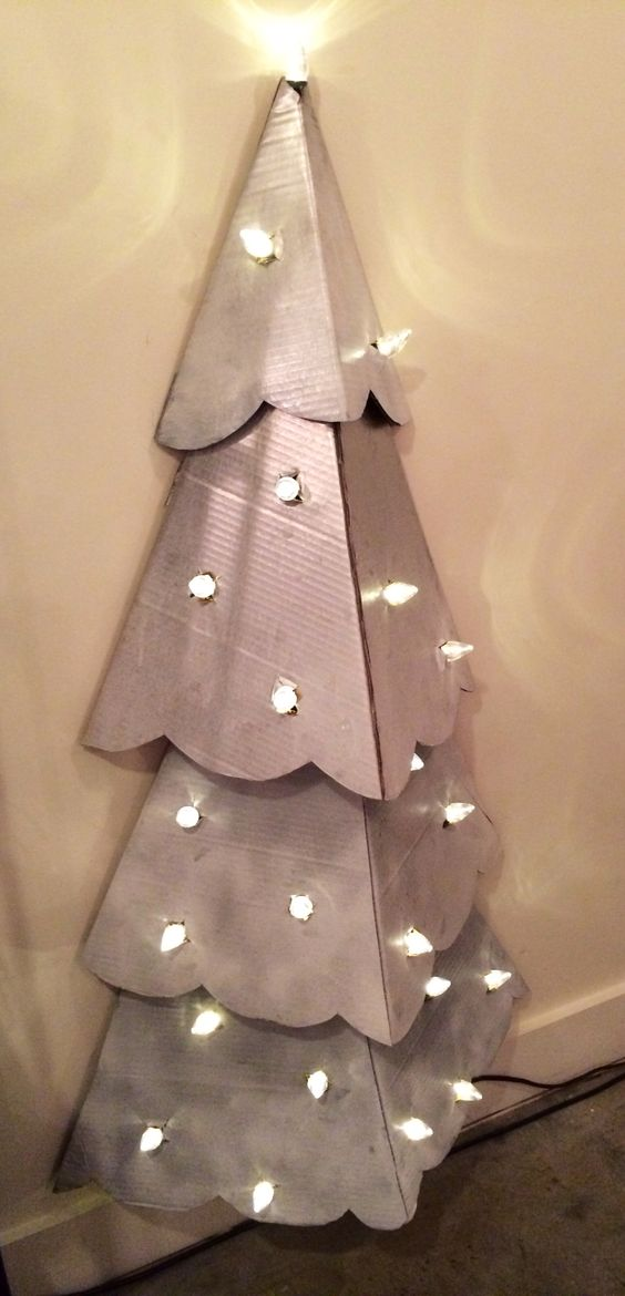 cardboard-christmas-crafts-26