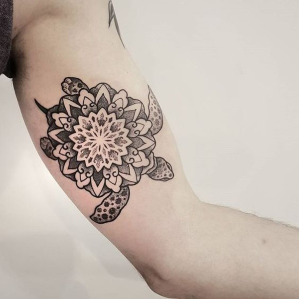 intricate-tattoo-designs-cant-keep-my-eyes-off0031