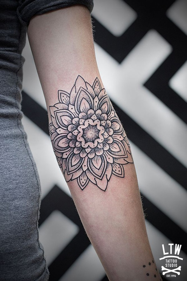 intricate-tattoo-designs-cant-keep-my-eyes-off0301